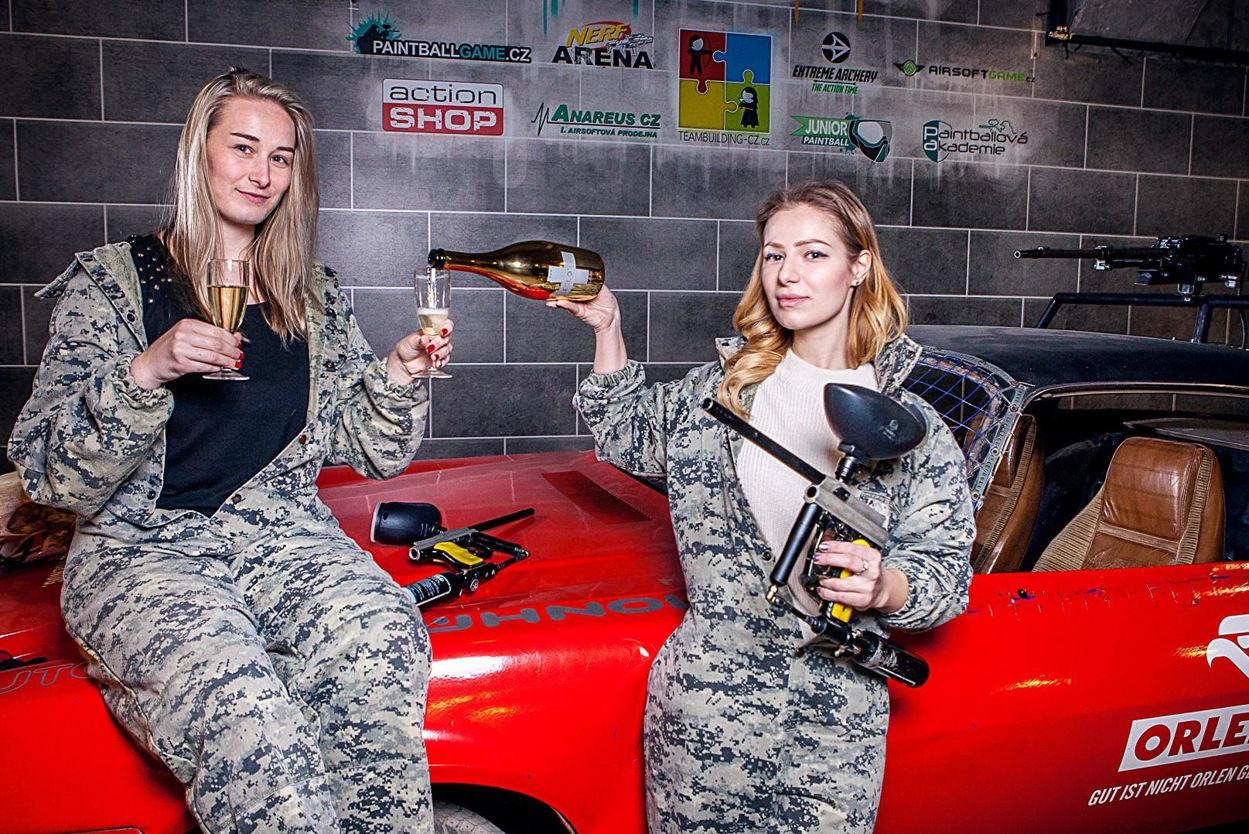 Picture of Paintball Indoor Ladies